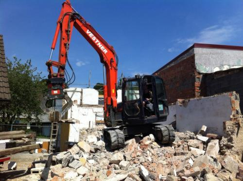 Abbruch eines Nebengebäudes